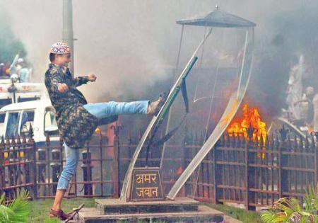 Desecration of Amar Jawan Jyoti