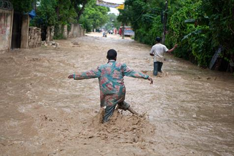Hurricane Sandy caused this flooding in Port au-Prince, Haiti on Thursday.