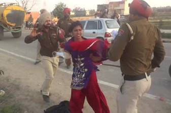 Police beat a girl in Punjab
