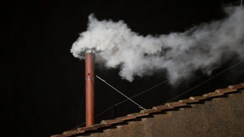 White smoke - Habemus Papam! / We have a Pope!