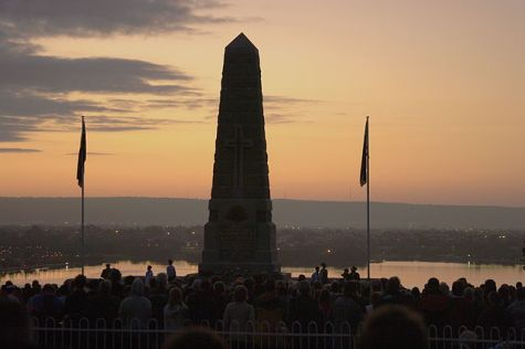 ANZAC day Dawn Service, State war memorial, Kings Park Western Australia (2009) - Photograph by Gnangarra...commons.wikimedia.org