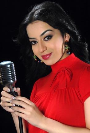 Aryam, Pop singer from UAE