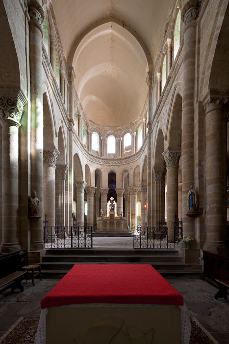 Apse, Église Saint Menoux, Saint Menoux (Allier). (Photo: Dennis Aubrey)