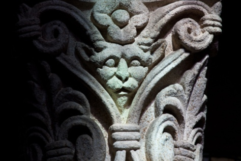 Demon Capital, Église Saint Menoux, Saint Menoux (Allier). (Photo: Dennis Aubrey)