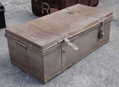 Alavandar murder case - steel trunk