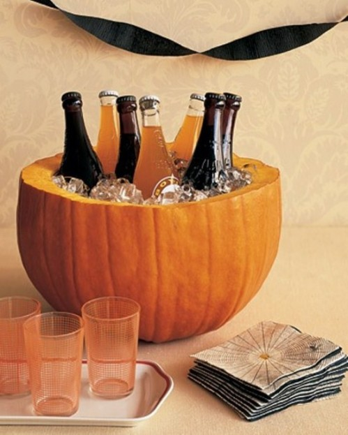 A Pumpkin Bowl: A cool, creative Halloween idea to hold your liquor (Source: http://www.freshomedecor.com)