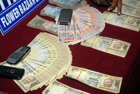 A file photo of fake Indian currency र1000 and र500 displayed at Chennai Police Commissioner Office (Photo : S.Thanthoni / thehindu.com)