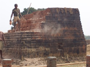 Brick Making - Sorting (Source: ecobrick.in)