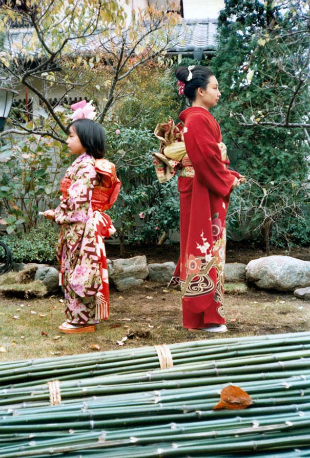 Chino Otsuka – Imagine Finding Me. 1979 and 2006, Japan. © Chino Otsuka.  Image courtesy of Huis Marseille