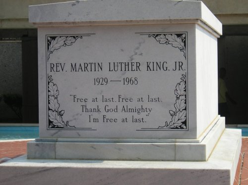 Martin Luther King. jr. Tomb (Source: Panoramio.com)