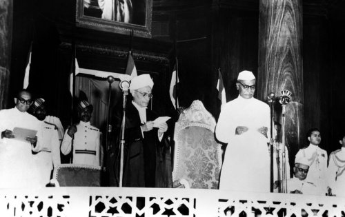 On January 26, 1950, the 34th and last Governor-General of India Chakravarti Rajagopalachari read out a proclamation announcing the birth of the Republic of India. (Source: indyas.hpage.co.in)