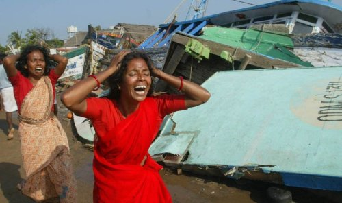 The tsunami of December 26, 2004 inundated villages and devastated cities along the coast of southeastern regions of the Indian mainland. Crown. (Source: indyas.hpage.co.in)