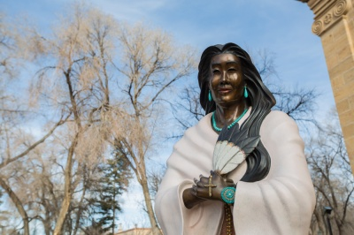 Statue of Kateri Tekakwitha in front of the Cathedral Basilica of St. Francis in Santa Fe, New Mexico (Source: thehundreds.com)