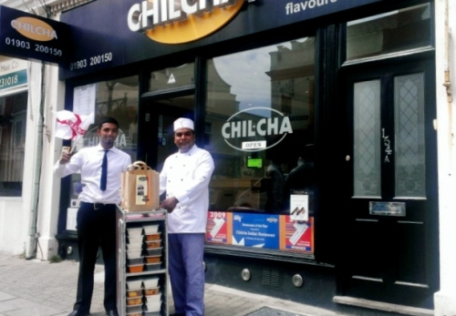 Waiter Habib Miah with restaurant owner and chef Mohammed Wahid (Source: worthingherald.co.uk)