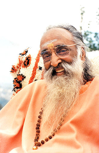 Swami Chinmayananda in 1990
