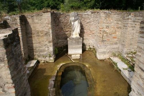 Ancient Bath in Dion - ΑΡΧΑΙΟ ΛΟΥΤΡΟ ΣΤΟ ΔΙΟΝ (Source: panoramio.com)