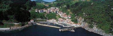 General view of Elantxobe town in Biscay, Basque Country. (Source: argazki.irekia.euskadi.net)