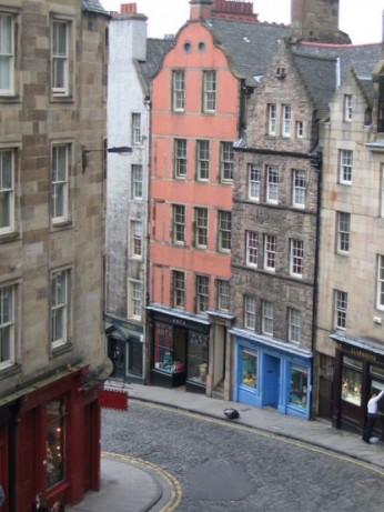 "Old Edinburgh's narrow streets showing the tenement buildings from which chamber pots were emptied out of the windows. (Source: ""A History of Humanity's Disgusting Hygiene"")"