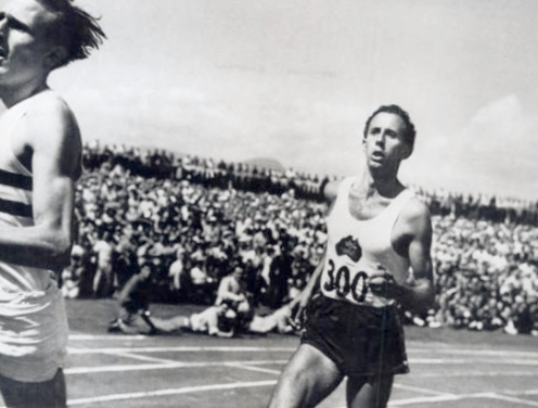 The face of John Landy in second place in the Fifth Empire games (30 July 30 to August 7, 1954) in Vancouver, Canada (Source: thebounce.co.za)