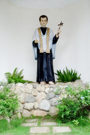 The statue of Blessed Fr. Joseph Vaz (Source: mudipushrine.in)