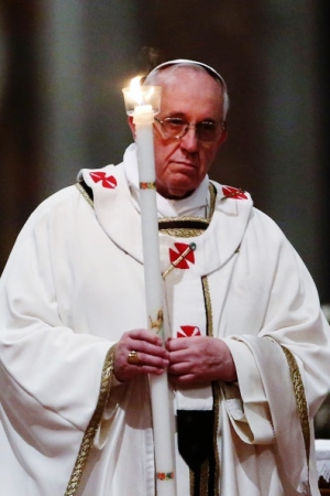 Pope Francisattends Easter Vigil 2014 (Source: sacredspace102.blogspot.in)
