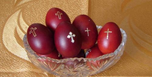 Red Easter Eggs (Source: psalterstudies.wordpress.com) (Custom)