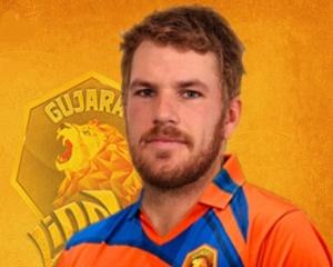 Aaron Finch - Gujarat Lions - IPL-2016 (Source -iplt20.wiki.in) 300x240