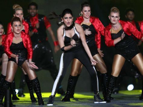 IPL 2015 Opening Nite - Anushka Sharma performs on popular Bollywoood numbers (Copyright BCCI)