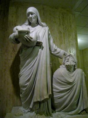 Statue of Saint Teresa in the National Shrine, Washington DC (Photo: T. V. Antony Raj)
